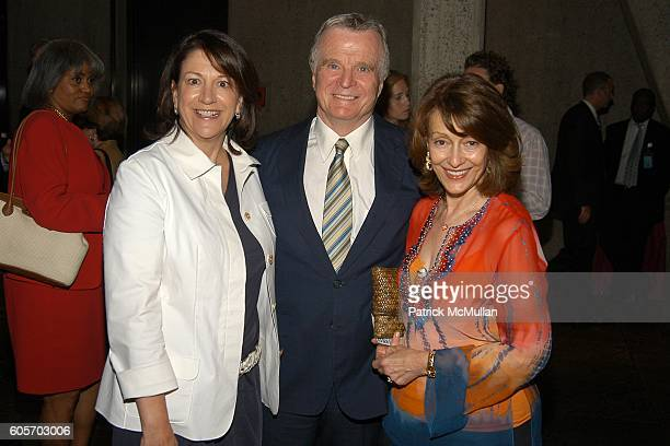 Charla Lawhon Robert Quinlan and Evelyn Lauder attend WHITNEY MUSEUM 'Full House' Reception hosted by Leonard Lauder Howard Rubenstein and Adam...