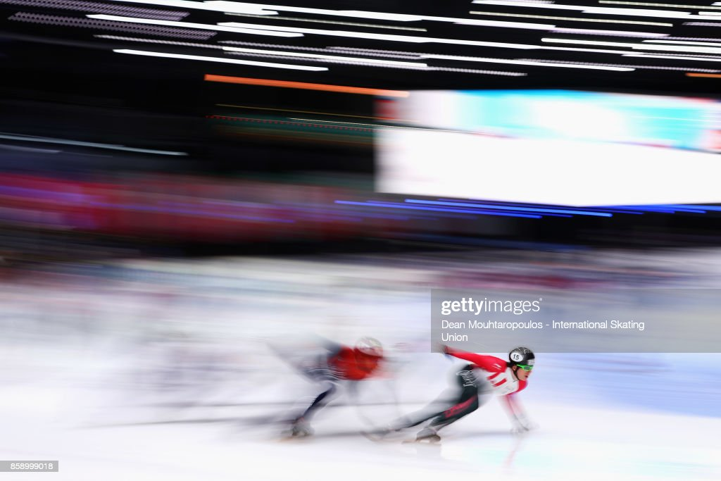 Charle Cournoyer of Canda competes in the Mens 5000m Relay Final during the Audi ISU World Cup Short Track Speed Skating at Optisport Sportboulevard on October 8, 2017 in Dordrecht, Netherlands.
