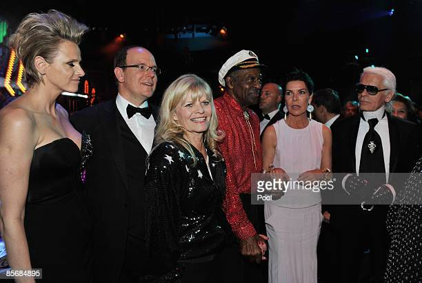 Charlene Wittstock Prince Albert II of Monaco unidentified guest Chuck Berry Princess Caroline of Hanover and Karl Lagerfeld arrive at the 2009 Monte...