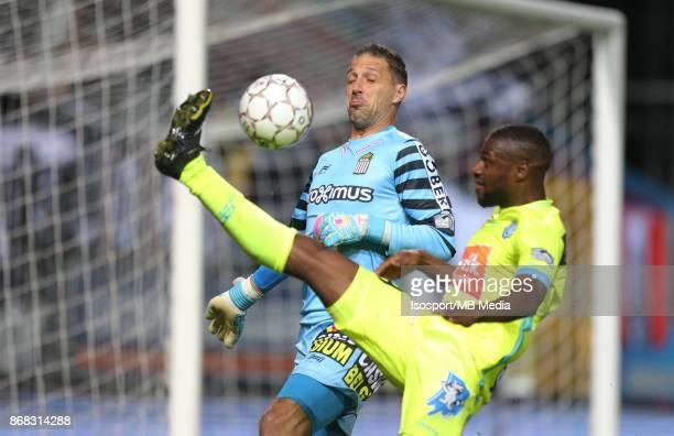 20171027 Charleroi Belgium / Sporting Charleroi v Kaa Gent / 'nNicolas PENNETEAU Mamadou SYLLA'nFootball Jupiler Pro League 2017 2018 Matchday 13 /...