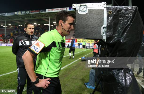 20171117 Charleroi Belgium / Sporting Charleroi v Kv Mechelen / 'nErik LAMBRECHTS Video assistant referee VAR'nFootball Jupiler Pro League 2017 2018...