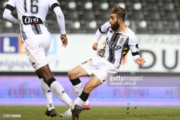 Charleroi's Ali Gholizadeh scores the 1-0 goal during a soccer match between Sporting Charleroi and RSCA Anderlecht, Friday 18 December 2020 in...