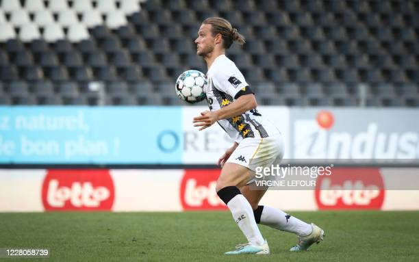 Charleroi's Guillaume Gillet pictured in action during a soccer match between Sporting Charleroi and KV Oostende, Saturday 15 August 2020 in...