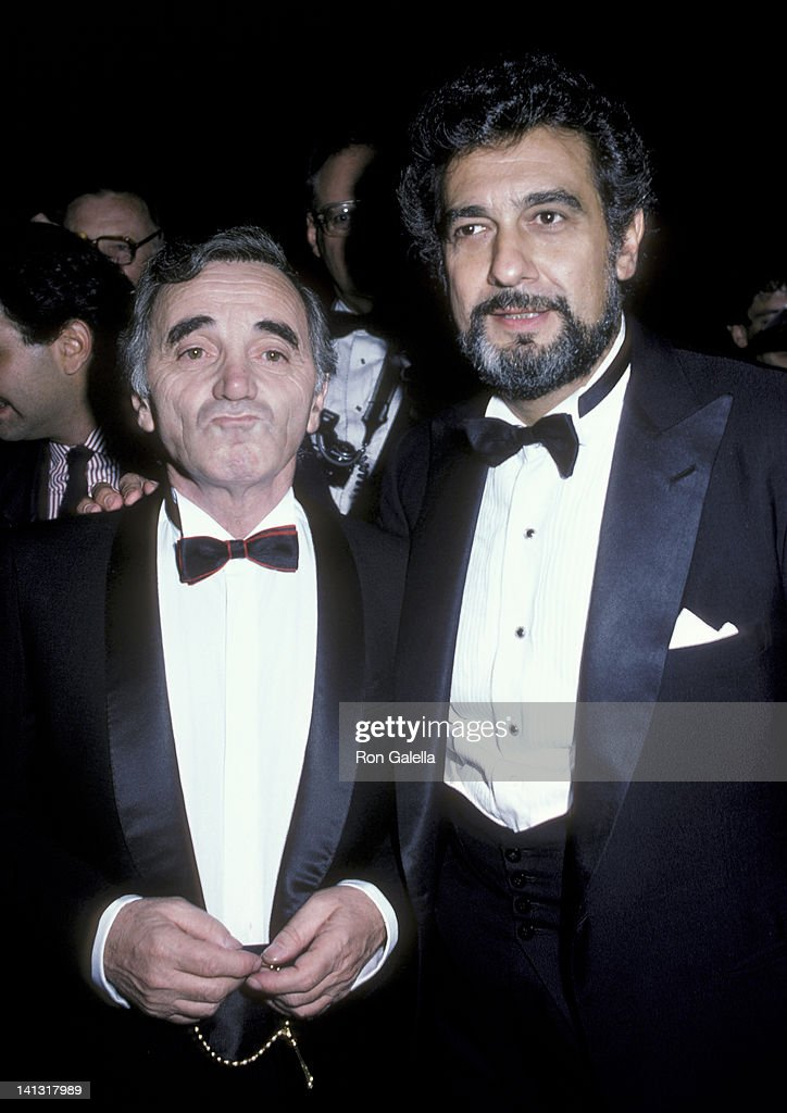 ¿Cuánto mide Plácido Domingo? - Altura Charles-aznavour-and-placido-domingo-at-the-state-of-liberty-gala-picture-id141317989