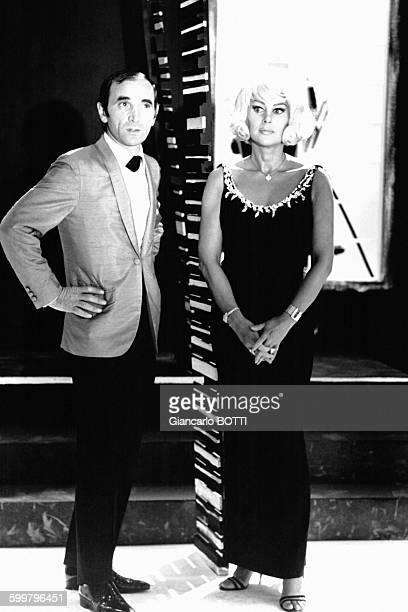 Charles Aznavour et Martine Carol lors du 'Show Aznavour' en septembre 1966 à Paris France