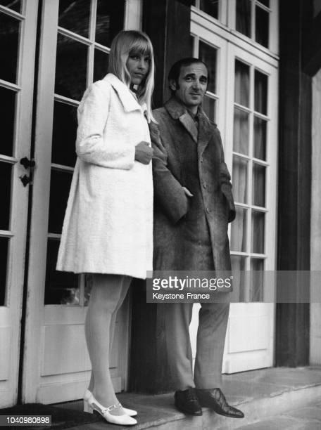 Charles Aznavour et son épouse Ulla en France circa 1960