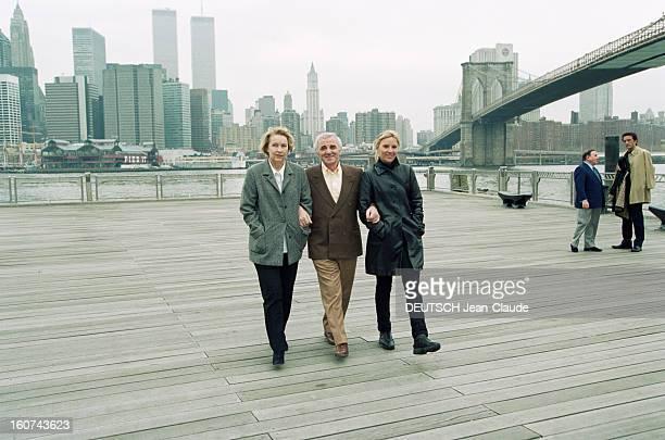 Charles Aznavour In New York City And Montreal En avril 1999 le chanteur compositeur et acteur Charles AZNAVOUR à NEW YORK avec son épouse Ulla et sa...