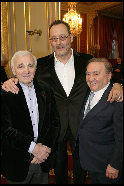 https://media.gettyimages.com/photos/charles-aznavour-jean-reno-and-levon-sayan-at-muriel-robin-is-with-picture-id171027957?k=6&m=171027957&s=612x612&w=0&h=SUhTVeivxjKwVLJLVuUsGrcny2gZ-L9bFElmLs8Rgyk=