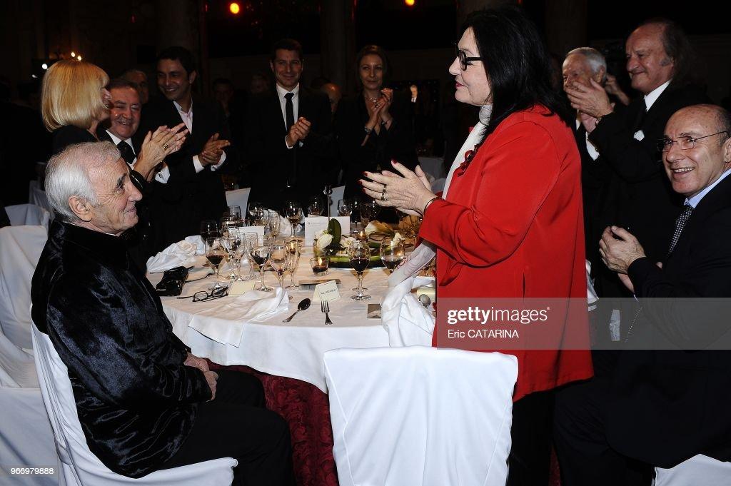 43rd Midem.French singer Charles Aznavour receives a Lifetime Achievement Award. : Photo d'actualité