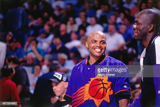 Charles Barkley of the Phoenix Suns smiles against the Sacramento Kings circa 1995 at Arco Arena in Sacramento California NOTE TO USER User expressly...