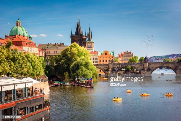 charles bridge and prague castle, prague, czech republic - prague stock pictures, royalty-free photos & images