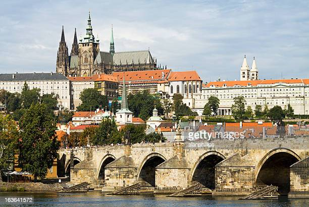 charles bridge and saint vitus cathedral in prague - hradcany castle stock pictures, royalty-free photos & images