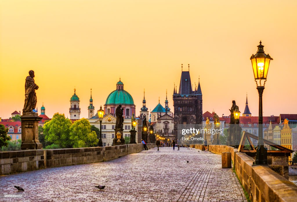 charles bridge (Karluv most) in Prague at golden hour. Czech Republic : Stock Photo