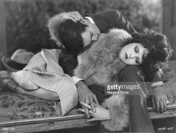 Charles 'Buddy' Rogers as Robert de Bellecontre and Clara Bow as Nancy Worthington in the film 'Get Your Man' directed by Dorothy Arzner and produced...