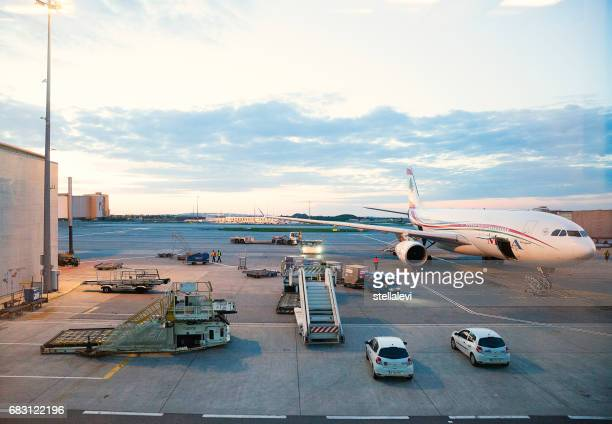 charles de gaulle airport, paris - charles de gaulle airport stock photos and pictures