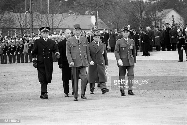 Charles De Gaulle At Naval School In Brest Brest 17 février 1965 Lors d'une visite à l'école militaire navale le général Charles DE GAULLE au centre...