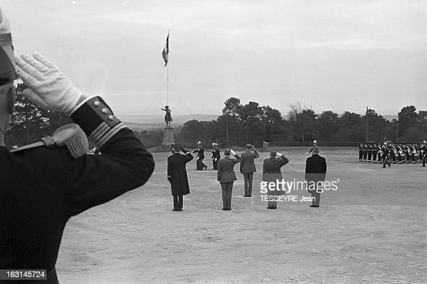Charles De Gaulle At Naval School In Brest Brest 17 février 1965 Lors d'une visite à l'école militaire navale le général Charles DE GAULLE de dos au...