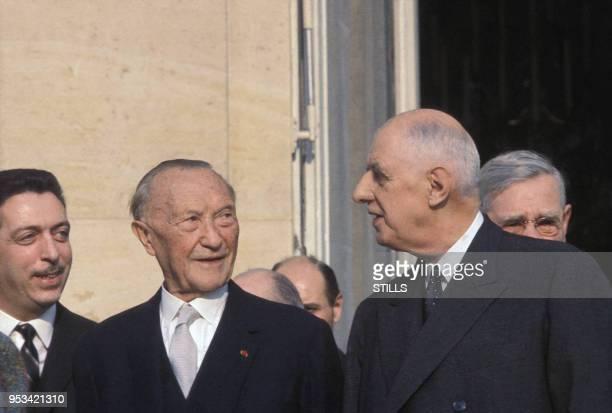Charles de Gaulle reçoit le chancelier allemand Konrad Adenauer à Paris dans les années 60, France. Circa 1960.