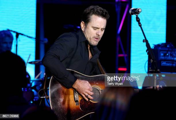 Charles Esten performs onstage at the Creative Artists Agency party during the IEBA 2017 Conference on October 16 2017 in Nashville Tennessee