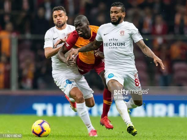 Charles Fernando Basílio da Silva of Antalyaspor AS Papa Alioune Badou Ndiaye of Galatasaray SK Amilton Minervino da Silva of Antalyaspor AS during...