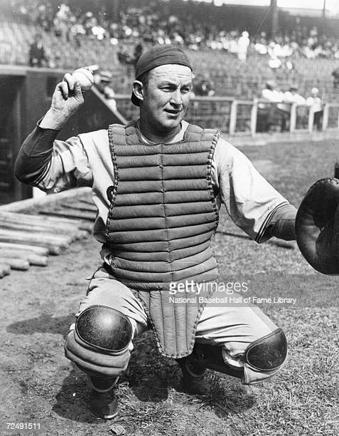 Charles Gabby Hartnett of the Chicago Cub poses before a season game Charles Hartnett played for the Chicago Cubs from 19221941