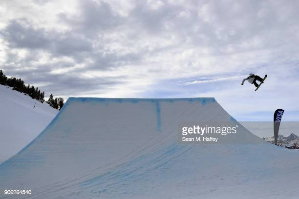 Charles Guldemond competes in the qualifying round of Men's Snowboard Slopestyle during the Toyota US Grand Prix on on January 17 2018 in Mammoth...