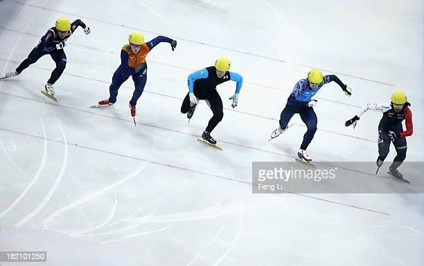 Charles Hamelin of Canada Vladimir Grigorev of Russia Eduardo Alvarez of United States Freek Van Der Wart of Netherlands and Lee HoSuk of Korea...