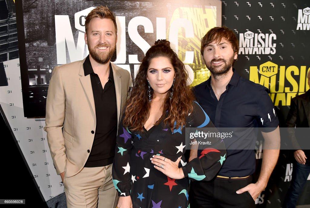 2017 CMT Music Awards - Red Carpet : News Photo