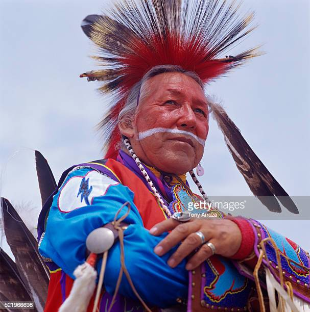 charles l. tailfeathers, sr. at red earth festival - blackfoot stock pictures, royalty-free photos & images