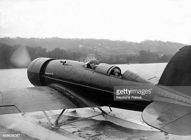 Charles Lindbergh et sa femme Anne Morrow Lindbergh decollent des Mureaux pour Amsterdam en 1933 aux Mureaux France