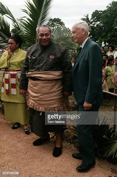 charles lindbergh with tongan king and daughter - tāufaʻāhau tupou iv stock pictures, royalty-free photos & images