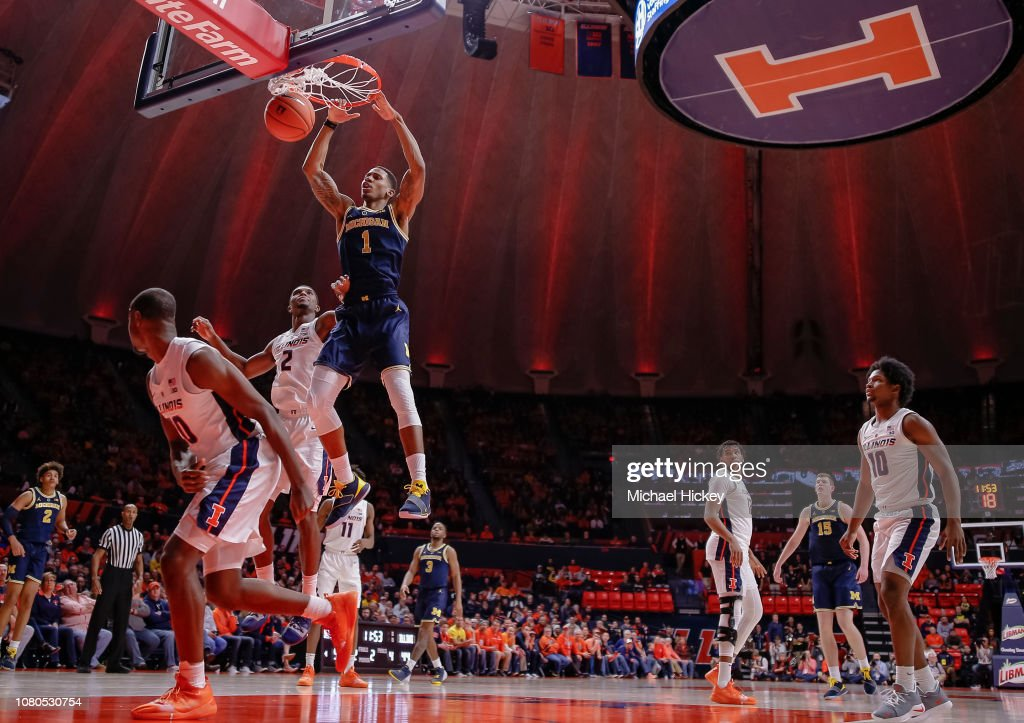Michigan v Illinois : News Photo
