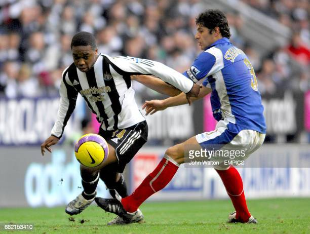 Charles N'Zogbia, Newcastle United and Dejan Stefanovic, Portsmouth battle for the ball
