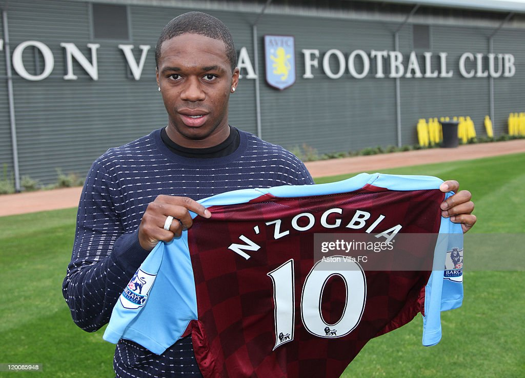 Charles N'Zogbia Signs For Aston Villa FC