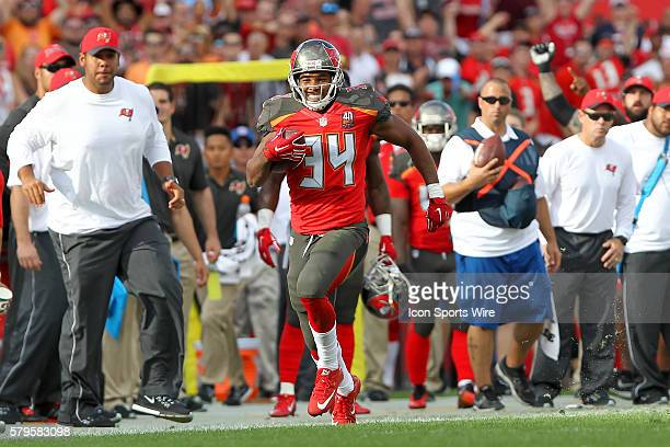 Charles Sims III of the Buccaneers breaks loose and runs up the sidelines during the NFL game between the Chicago Bears and Tampa Bay Buccaneers at...