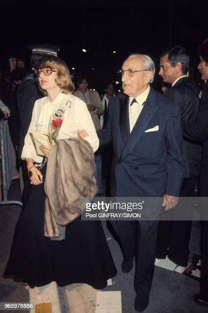 Charles Vanel et son épouse Arlette au Festival de Cannes le 23 mai 1976 en France