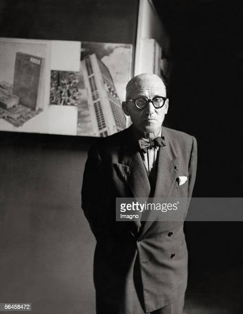 Charlesedouard Jeanneret better known as Le Corbusier in his atelier Photography 1955 [Charlesedouard Jeanneret besser bekannt als Le Corbusier in...