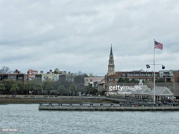charleston sc waterfront - peninsula stock pictures, royalty-free photos & images