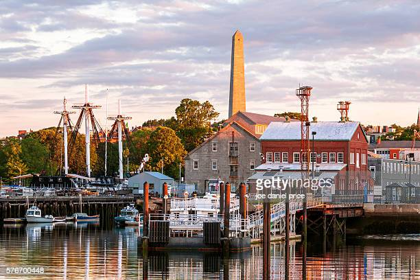 charlestown navy yard, bunker hill monument, uss constitution, boston, massachusetts, america - massachusetts foto e immagini stock