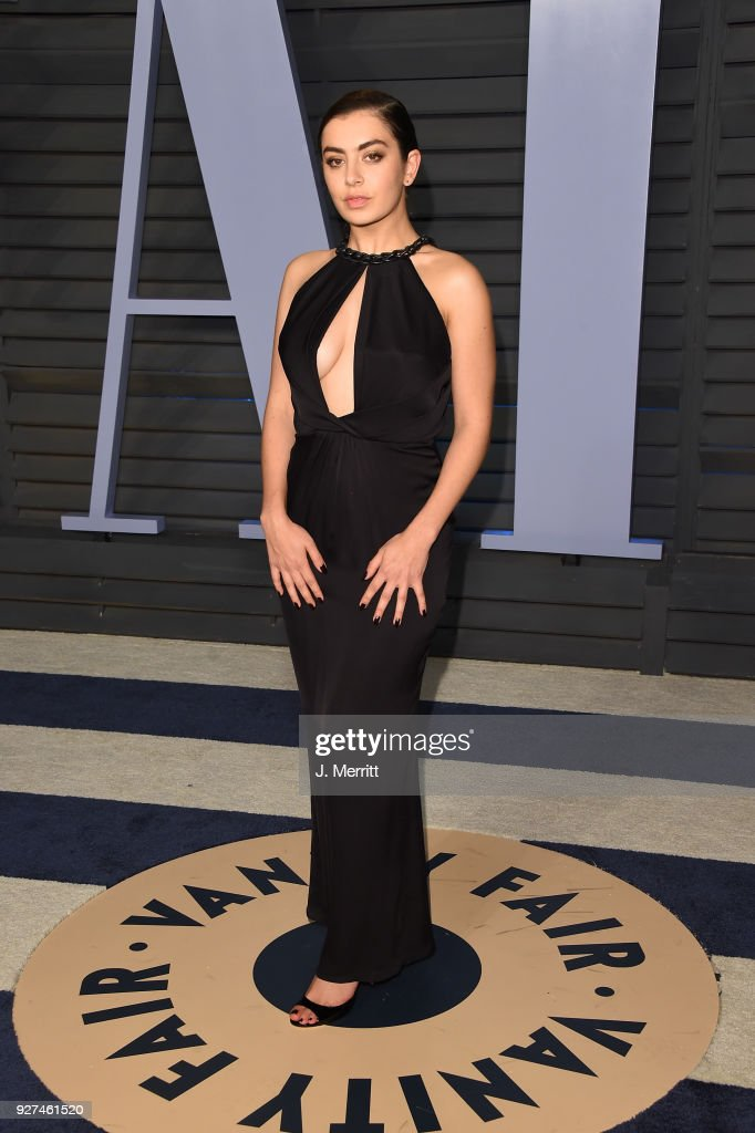 Charli XCX attends the 2018 Vanity Fair Oscar Party hosted by Radhika Jones at the Wallis Annenberg Center for the Performing Arts on March 4, 2018 in Beverly Hills, California.