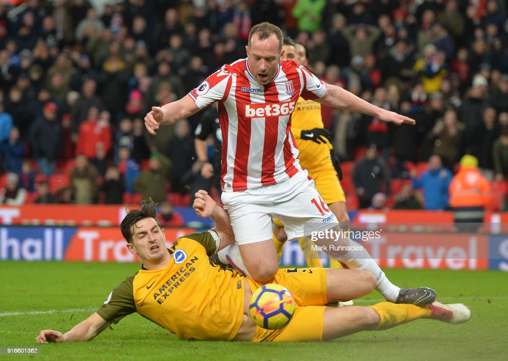 Stoke City v Brighton and Hove Albion - Premier League : News Photo