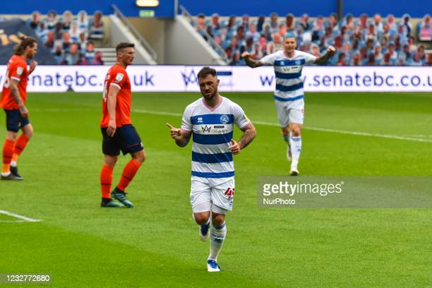 Charlie Austin of QPR celebrates after scoring his team's first goal during the Sky Bet Championship match between Queens Park Rangers and Luton Town...