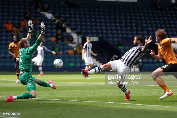 Charlie Austin of West Bromwich Albion scores a goal to make it 1-0 during the Sky Bet Championship match between West Bromwich Albion and Hull City...
