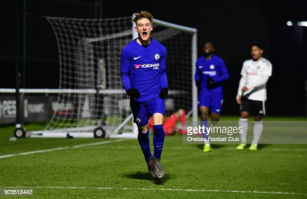 32 Fulham V Chelsea U18 Premier League Photos And Premium High Res Pictures Getty Images