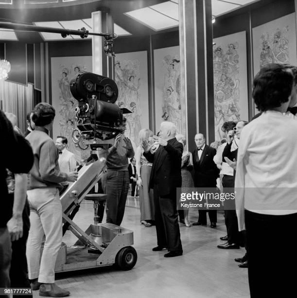 Charlie Chaplin lors du tournage de son film 'La Comtesse de HongKong' à Londres en Angleterre au RoyaumeUni le 21 mars 1966
