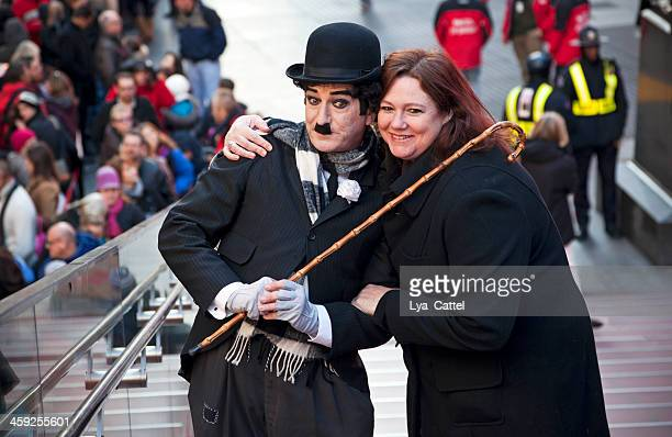 charlie chaplin # 4 xxl - times square body paint stock pictures, royalty-free photos & images