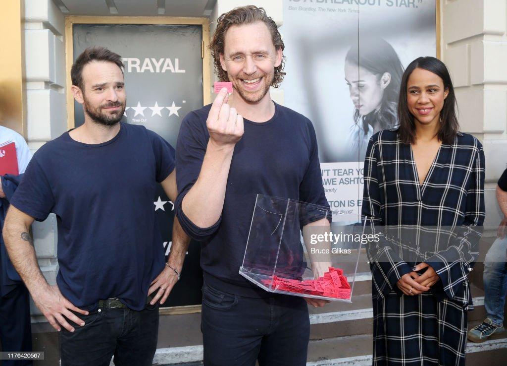 Celebrities Visit Broadway - September 22, 2019 : Foto jornalística
