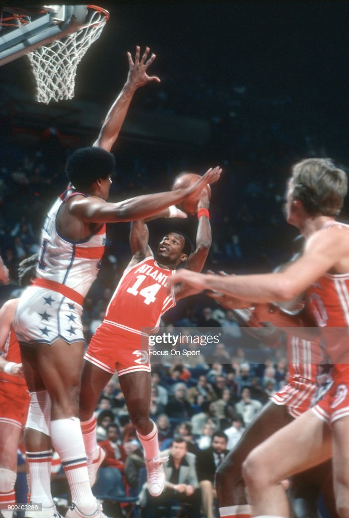 Atlanta Hawks v Washington Bullets : News Photo