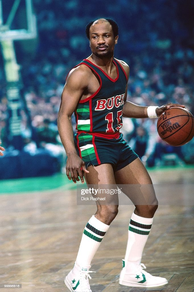 Charlie Criss #15 of the Milwaukee Bucks moves the ball up court against the Boston Celtics during a game played in 1983 at the Boston Garden in Boston, Massachusetts.