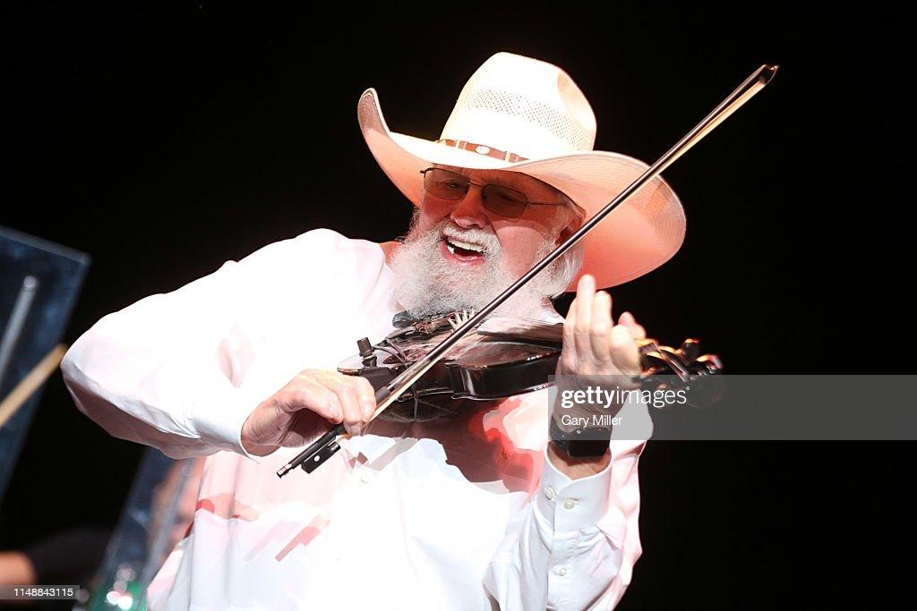 Travis Tritt & Charlie Daniels In Concert - Cedar Park, TX : ニュース写真